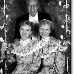 08-03 Jeffs with 2 wives